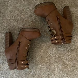 Size 10 heeled boots